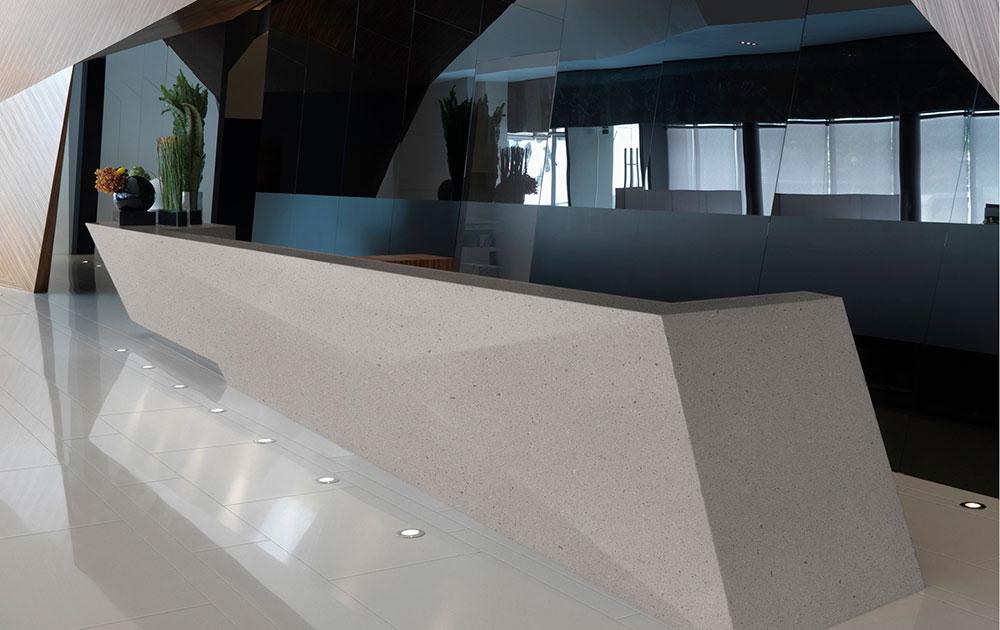 Desk hotel in Corian®