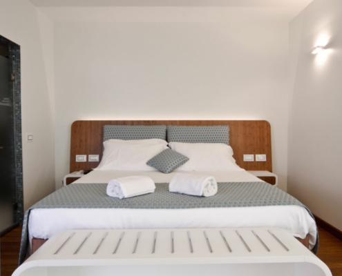 Applicazione Corian® Letto Hotel